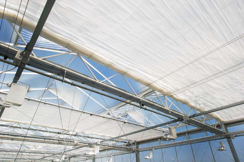 Scherminstallatie glastuinbouw zonwering