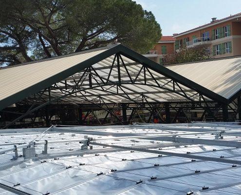 beweegbaar buitenscherm bij tuincentrum VillaVerde Antibes